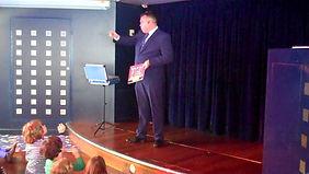 magic show in hassocks, david tricks magician hassocks