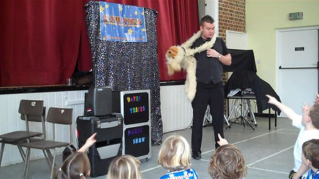 magician in Crawley, Birthday party Children's entertainer, magic show worthing, lewes entertainer, puppet show, birthday party in Sussex, magician in Worthing, Magician in Shoreham, Magician in Southwick, Party entertainment, Heinz the dog, ron gilbert,