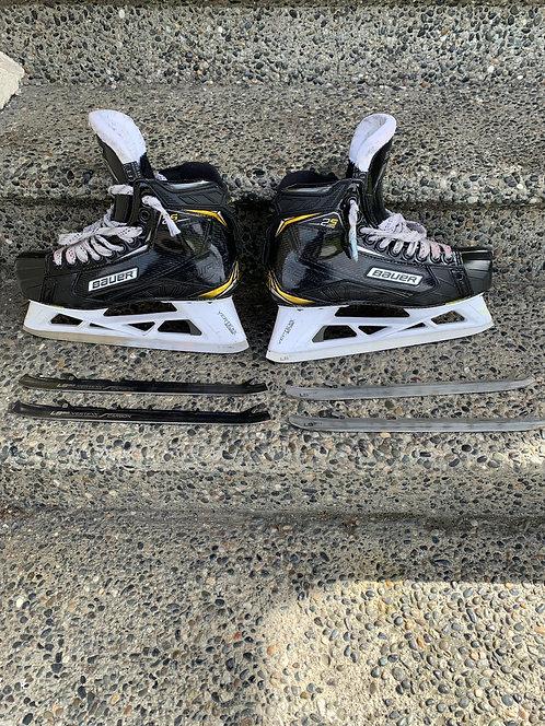 BAUER Skates + 2 extra blades