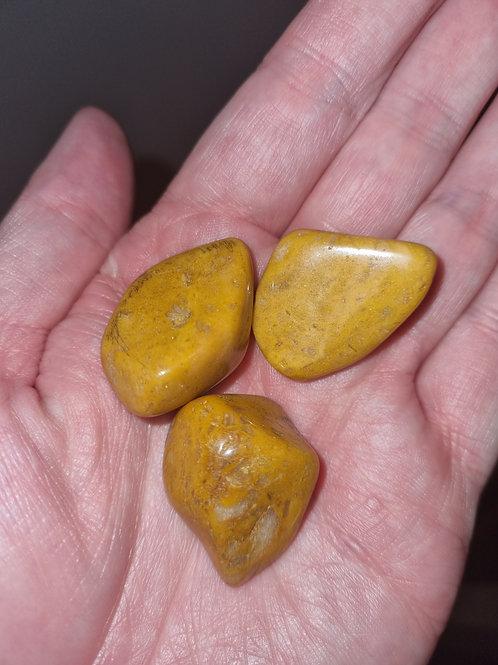3 Yellow Jasper tumbled stone 25 mm aprox