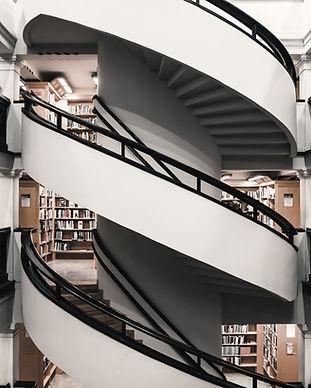 Çok Katlı Kütüphane