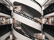 Bibliothèque à plusieurs étages