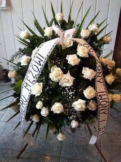 Wieniec pogrzebowy na stojaku nr 33