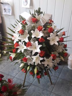 Wieniec pogrzebowy na stojaku nr 32