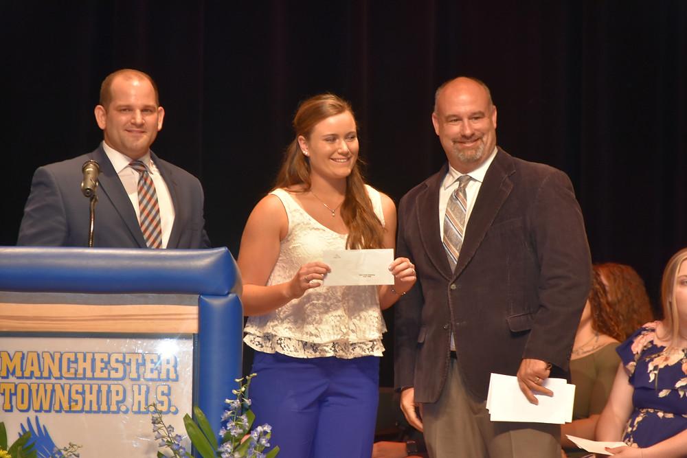Anja K. receives scholarship
