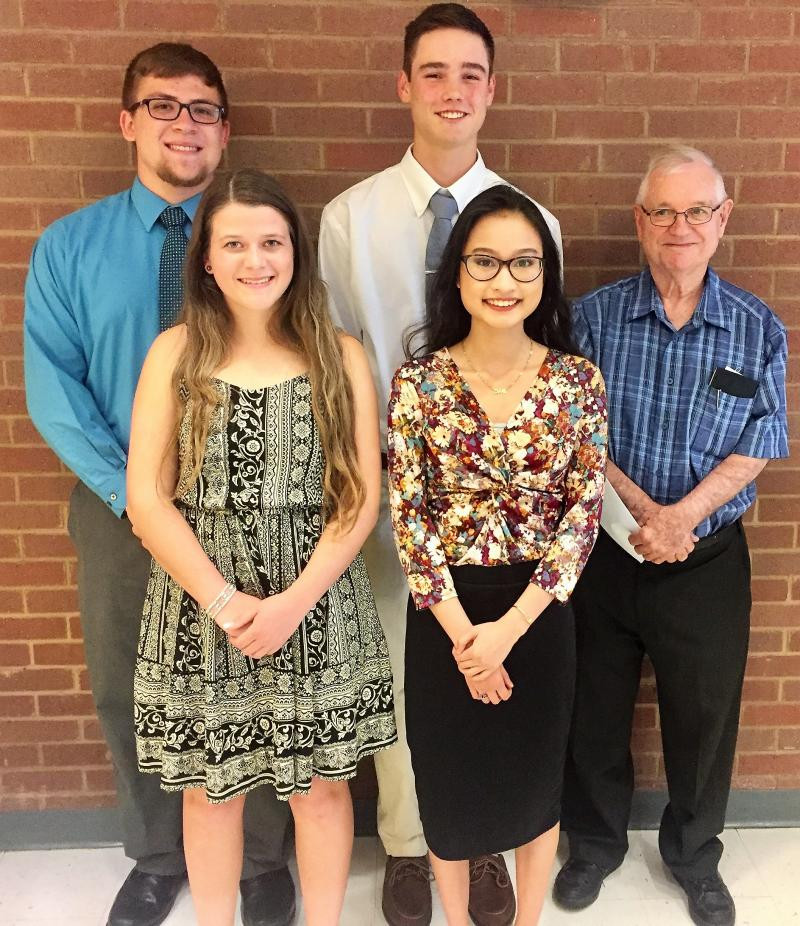 Crestwood IV Senior Citizens Club Scholarship Winners