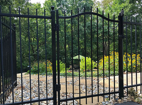 Steel Yard Fence with Gate
