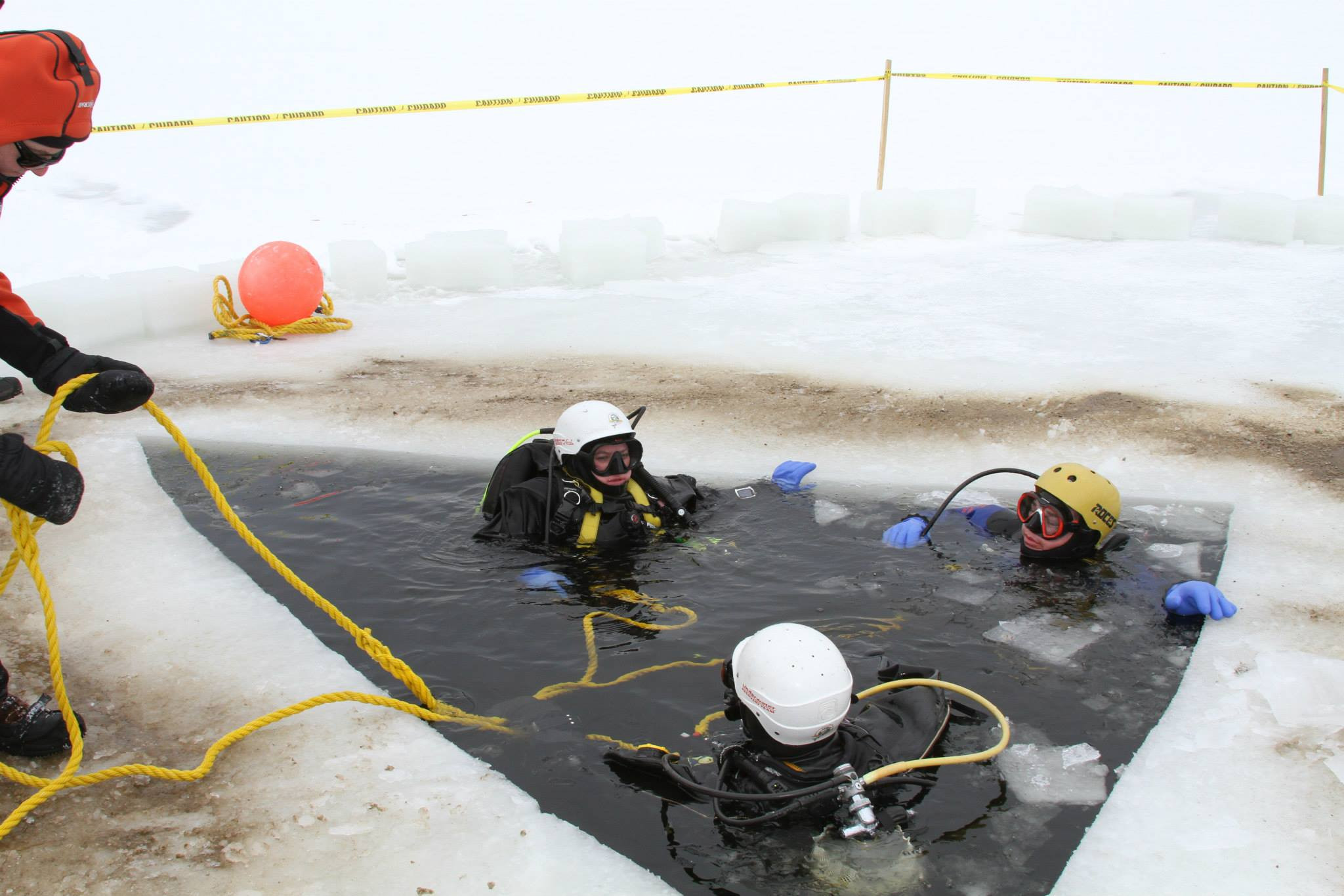 Drive & Dive Adventure: Ice Diving 2015