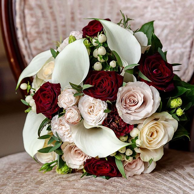 Elegant and Luxurious Bridal bouquet, lo