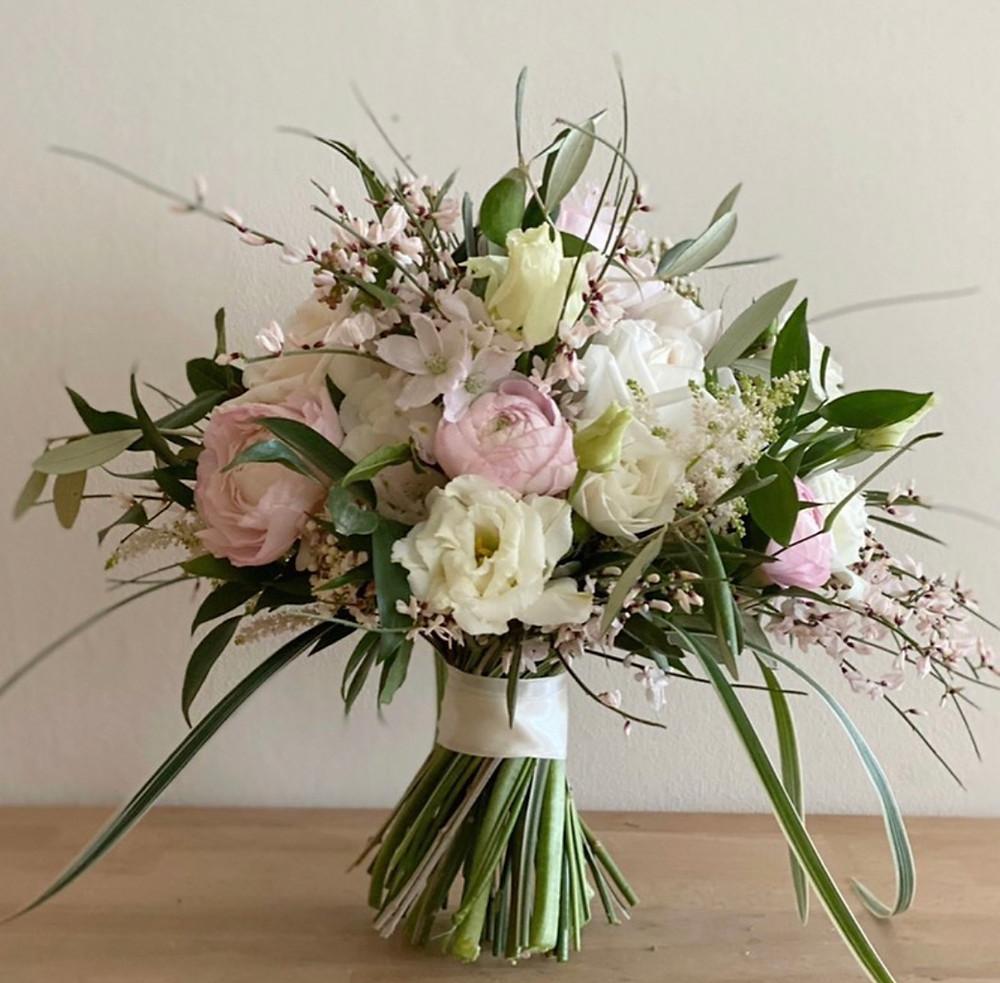 Tulips, Ranunculus, Gentisa, Spring bridal bouquet