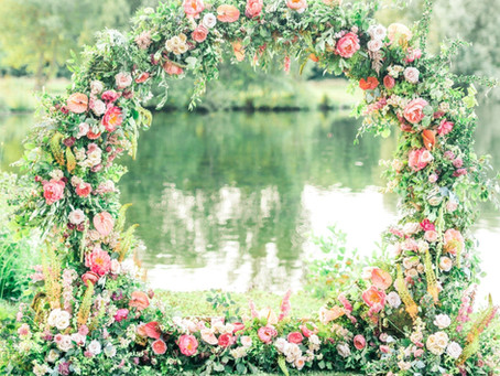 SUMMER FLORAL ROMANCE MOONGATE