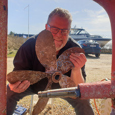 This is me, holding the 5-blade Chalup propeller