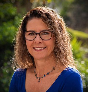 Deanne Apostolou herbalist and natural health practirioner