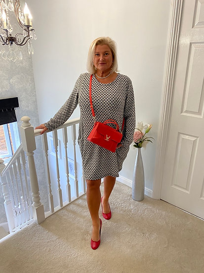 Houndstooth Lagenlook look dress with front pockets