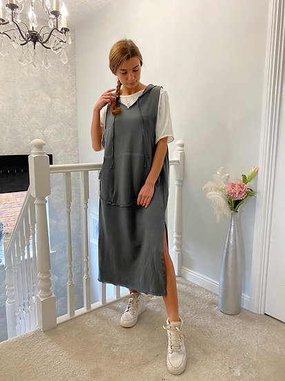Hooded charcoal dungaree dress with front pockets and t shirt