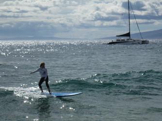 Johanna surfing