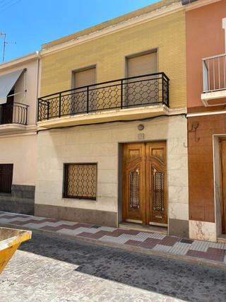 VENTA Casa en la C/ Lluis Vives de Algemesi.