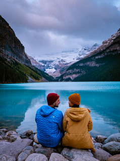 Luxury and lounging at the Lake Louise Inn surrounded by blue green turquoise lakes