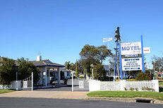 colonial-motel-and-serviced.jpg