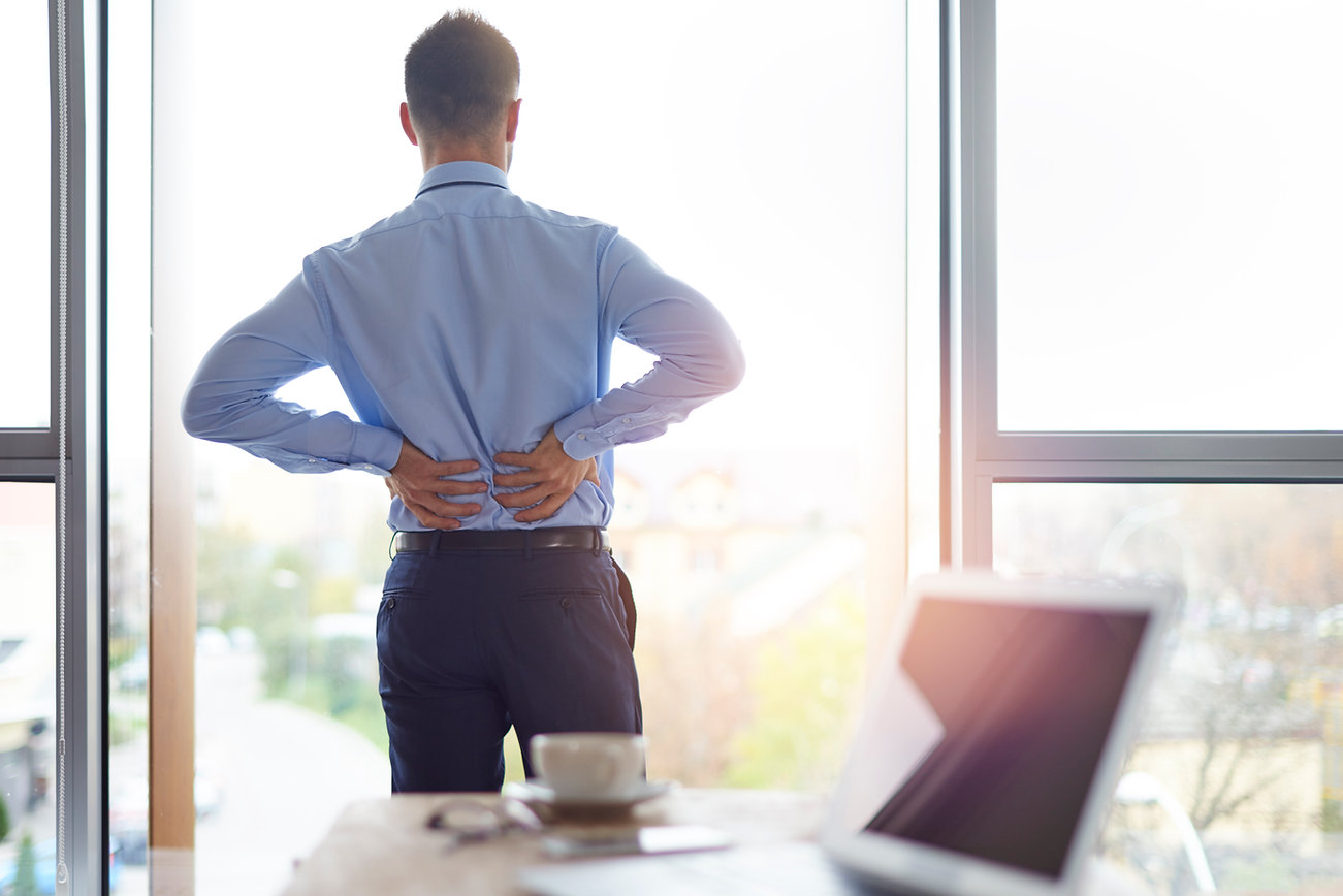 back-pain-of-business-person-RN98HK3.jpg
