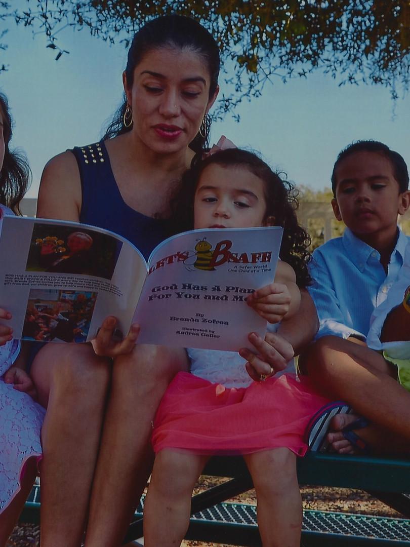 Hispanicfamily_edited.jpg