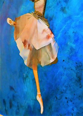 Illuminating Ballet Odette Detail (2).JP
