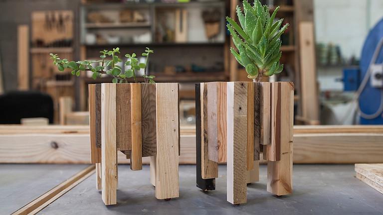 סדנה לעיצוב ובניית אדנית מעץ ממוחזר בסטודיו Suit-Case