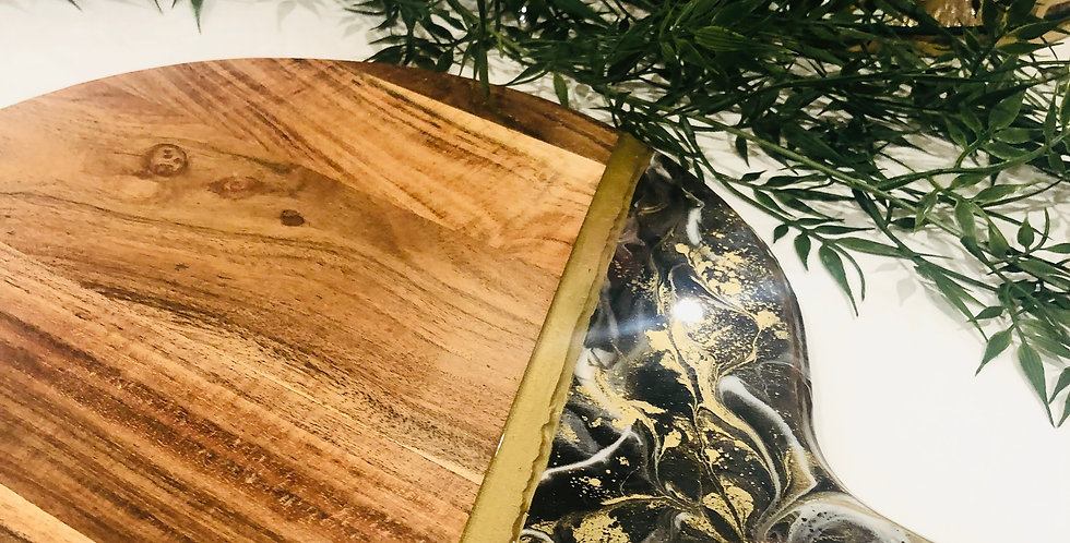 Black & Gold Resin Cheeseboard