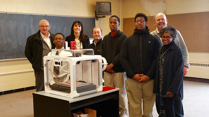 DETROIT MANUFACTURING SYSTEMS donates 3-D printer to Frederick Douglass Academy for Young Men
