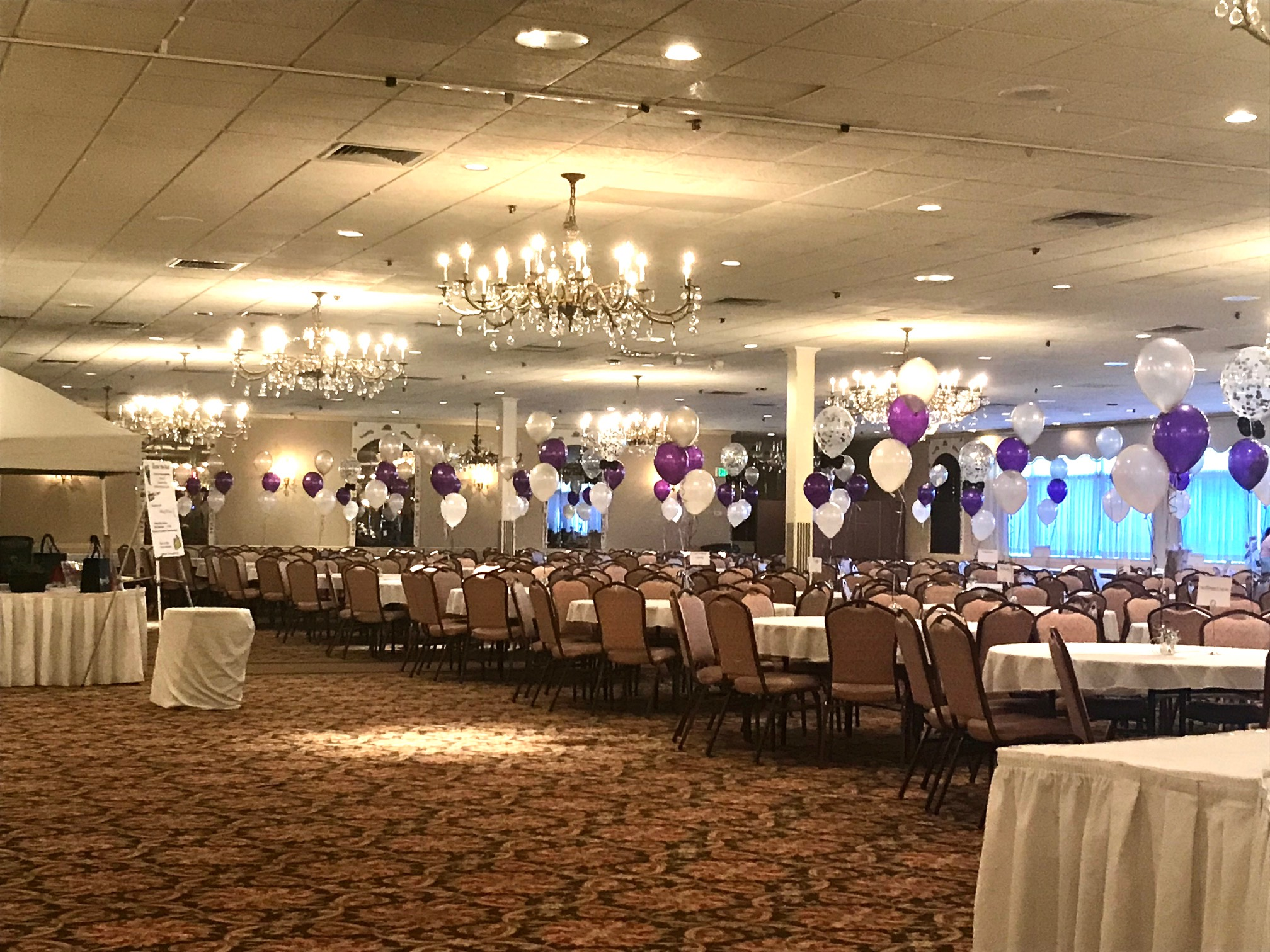 banquet helium balloon decorations
