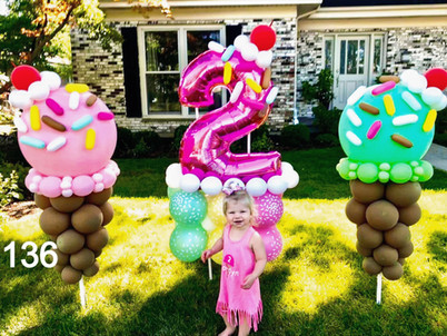 two-year-old-birthday-balloons-party-dec