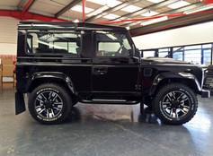 Black Land Rover Defender on HAWKE Osprey wheels in Black Polished colour finish