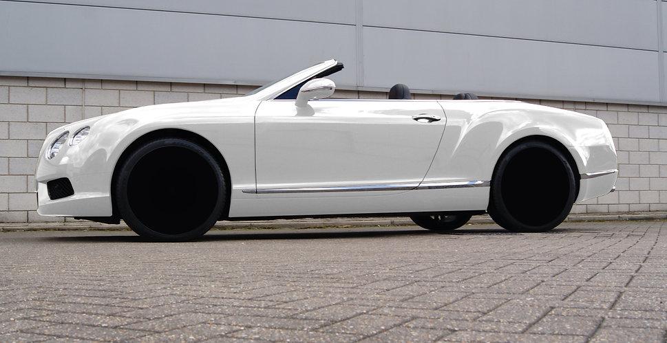 white_car.jpg