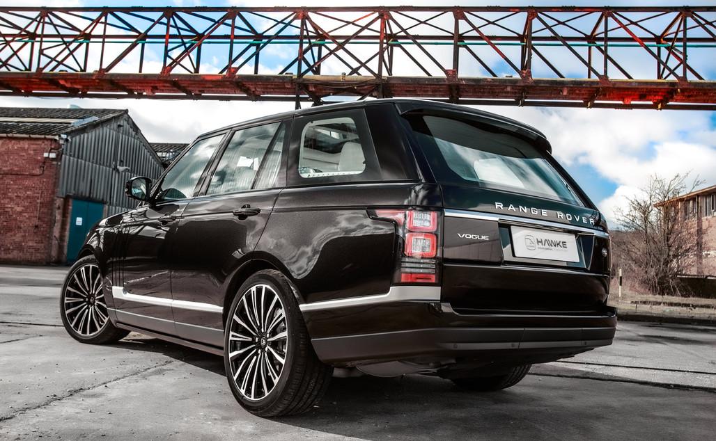 Black Range Rover Vogue on HAWKE Chayton wheels in Black Polished finish