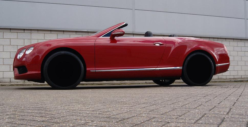 red_car.jpg