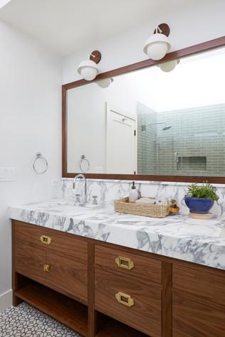 Ventura guest bath