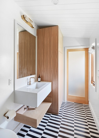 Venice bathroom.jpg