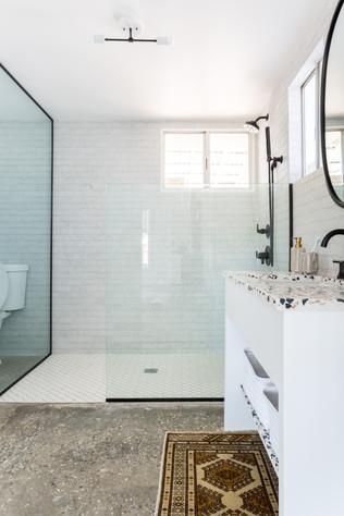 Veneer Retreat bathroom.jpg