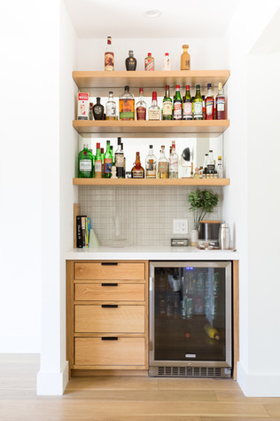 Modern built in bar