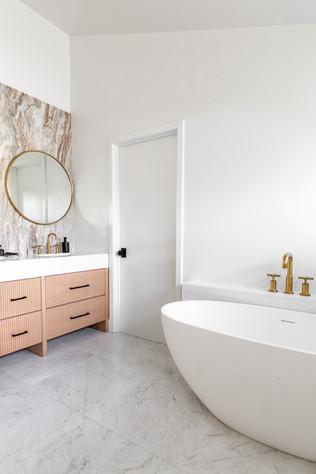 Encino Vista (master bath) (5).jpg