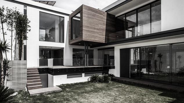 ML HOUSE
