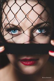 PixRez - Reza Hadian, London fashion & beauty photographer. Black smokey makeup editorial beauty shot with a single LED light in Reza's studio