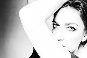 PixRez - Reza Hadian, London fashion & beauty photographer. High ket portrait using Godox AD200pro