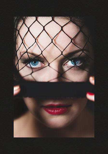 PixRez - A beauty shot from Reza Hadian portrait and beauty photography portfolio using a single LED light. Beauty editorial smokey makeup with red lips