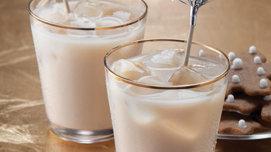 Almond Cardamom Iced Tea Latte