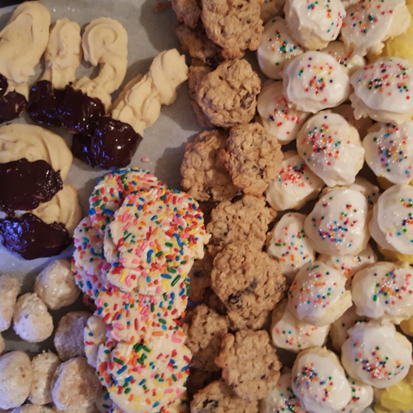 Photo - Large 15x21 pan of assorted cookies