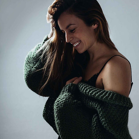 ručně pletený svetr cardigan Lalute
