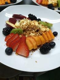 Orden de frutas con yogurt y granola