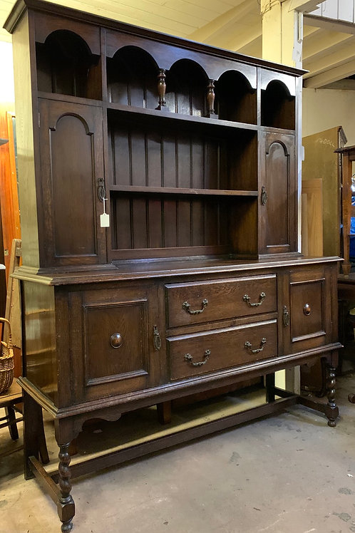 Good Quality Early 20th Century Solid Oak Display Dresser