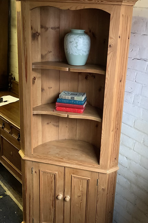 Traditional Waxed Pine Barrel Back Floor standing Corner Cabinet With Cupboard
